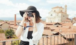 4 Travel Details Not to Post on Social Media